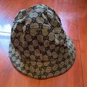 Real Gucci Bucket Hat!!